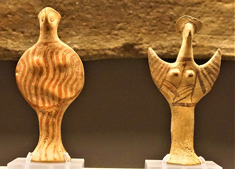 File:Phi-type and Psi-type Mycenaean Female Figurines - Museum of Cycladic Art, Athens - Joy of Museums.jpg