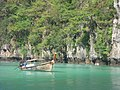 Phi Phi Island Tour (4297213228).jpg