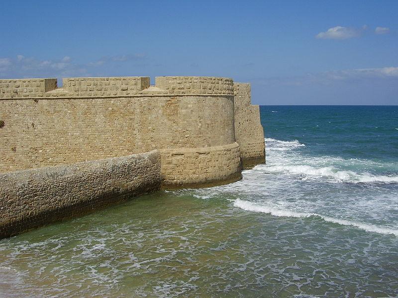 חומת הים בעכו
