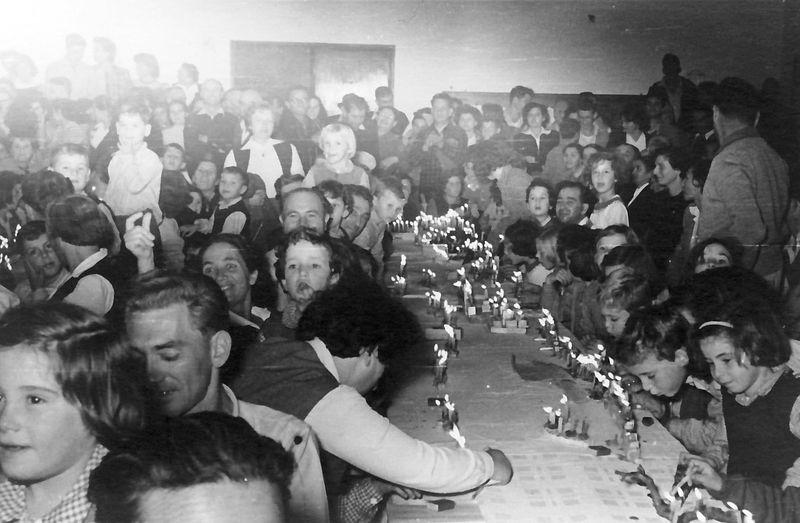 גן-שמואל-בחנוכה 1952
