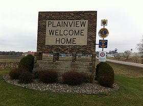 Plainview Welcome Home sign (Plainview, Minnesota) 001.jpg