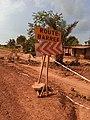 Plaque d'indication dans le plateau du Bénin 02.jpg