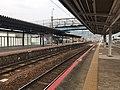 Platform No.2 of Shin-Yamaguchi Station.jpg