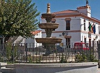 Abertura - Image: Plaza de España Abertura Cáceres