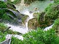 Pohled dolu z vodopadu, Plitvicka jezera.jpg