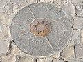Point Zero des Routes de France (40444365232).jpg