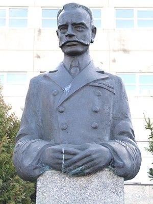 Kazimierz Porębski - Image: Pomnik wiceadmirala Kazimierza Porebskiego 005