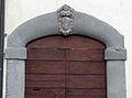 Pratovecchio, casa con stemma forse minerbetti.JPG