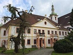 Probstei Vordergrund, Klosterkirche Hintergrund, Ostritz St Marienthal.JPG