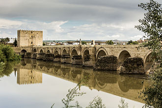 Roman bridge of Córdoba - The Roman bridge and Guadalquivir river