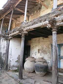 Pulicat-India-An-Old-Abandoned-Dutch-House-with-Large-Pots-6