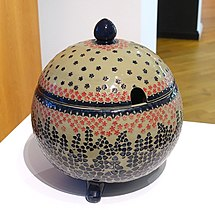 Punch bowl, designed by Richard Riemerschmid, made by Merkelbach Wilhelm Reinhold, Grenzhausen, 1902, porcelain stoneware with salt glaze and relief - Bröhan Museum, Berlin - DSC03991