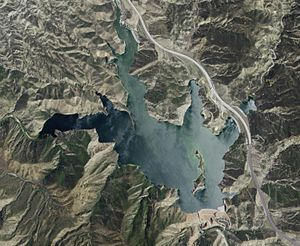 Pyramid Dam - Satellite view of dam and reservoir. Interstate 5 is on the right of the image.