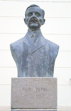 Iuliu Maniu - Bust of Iuliu Maniu in Alba Iulia