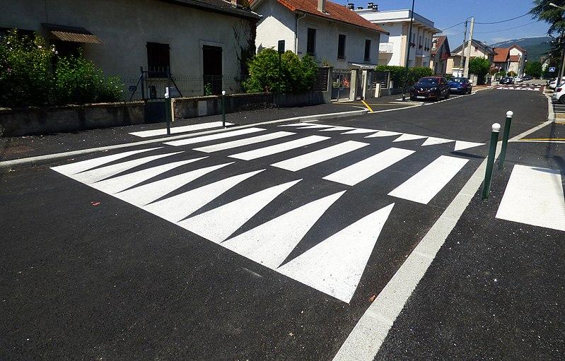Dos d'âne - Route - Circulation - Marquage - Goudron - SchoolMouv - Géographie - CM2