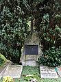 Ravensburg Hauptfriedhof Grabmal Knapp img01.jpg