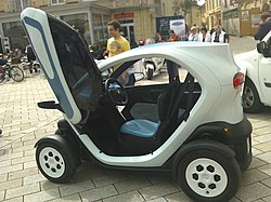 Renault Twizy, side view.jpg