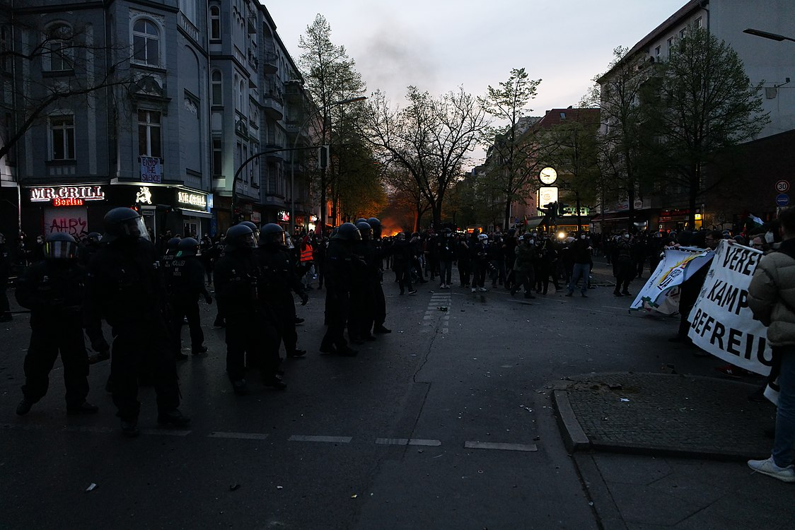 Revolutionary 1st may demonstration Berlin 2021 164.jpg