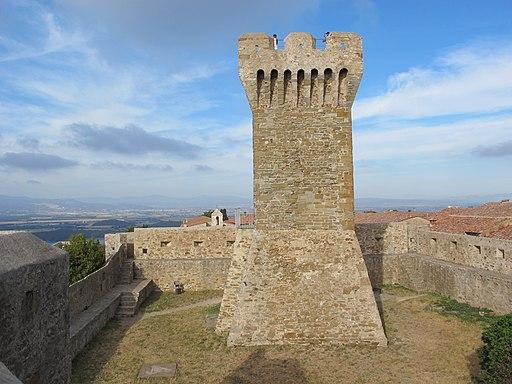Rocca di Populonia, torre