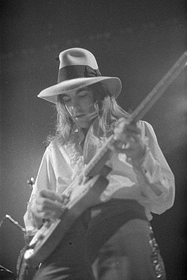 Rock guitarist Tommy Bolin.jpg