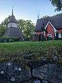 Särkisalon kirkko ja tapuli 1.jpg