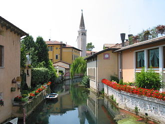 Sacile - The Livenza in the centre of town