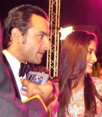 Saif Ali Khan - Khan with his wife Kareena Kapoor at the 53rd Filmfare Awards in 2008