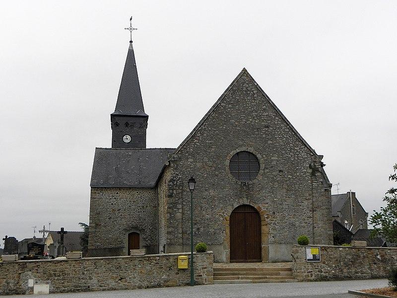 Église de Saint-Cyr-le-Gravelais (53). Façade occidentale.