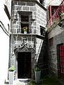 Saint-Flour place d'Armes 13 tour d'escalier.jpg