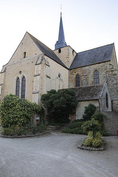 Fr:Église Saint-Médard de Saint-Mars-sous-Ballon: transept sud et chœur.