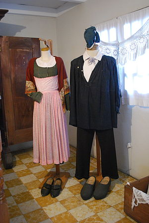 French Mexicans - Clothing worn by 19th century French migrants
