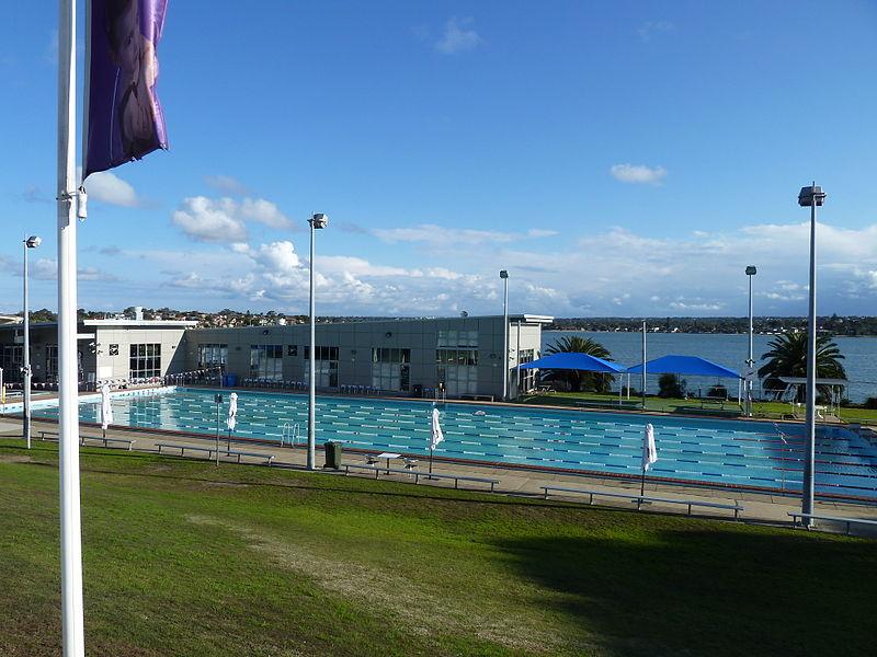 File:Sans Souci Leisure Centre, Sans Souci, New South Wales (2010-07-25) 01.jpg
