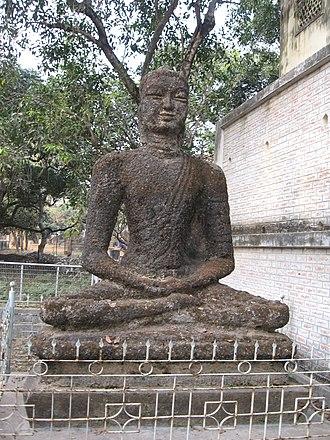 Ramkinkar Baij - A statue of Buddha by Ram Kinker Baij at Shantiniketan campus.