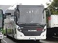 Scania Touring n°25083 (vue avant droit) - Transdev Rhône-Alpes Interurbain (Voglans * été 2017).jpg