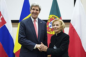 Italian Radicals - Emma Bonino with U.S. Secretary of State John Kerry, 2013