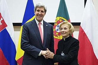 Italian Radicals - Emma Bonino with U.S. Secretary of State John Kerry, 2013