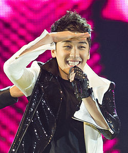 Seungri at a Big Show performance, 2011.jpg