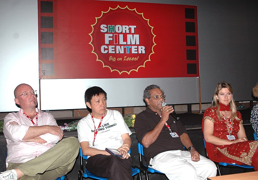 Shri Shaji N Karun alongwith other directors speaking on 'Meet The Juries' during the 40th International Film Festival (IFFI-2009), at Panaji, Goa on November 30, 2009.jpg