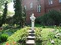 Sissi statue, Miskolc, Semmelweis Hospital.jpg