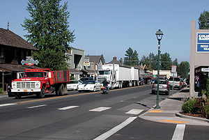 Sisters, Oregon - Cascade Avenue in downtown Sisters