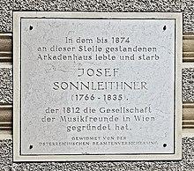 Die Gedenktafel für Joseph Sonnleithner am Haus Graben 14 in ihrem derzeitigen Zustand (Quelle: Wikimedia)