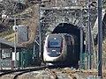 Sortie du tunnel des Esserts à Moûtiers pour un TGV d'hiver (2018).JPG