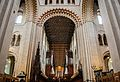St Albans cathedral (15057943696).jpg