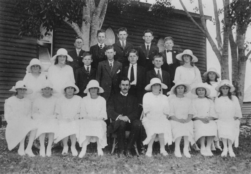 File:StateLibQld 2 169967 Confirmation class of 1924 for the Kalbar Lutheran church.jpg