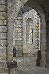 Statue escalier fer à cheval Fontainebleau.jpg