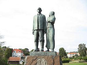 """""""The emigrant monument, Karl-Oskar and Kr..."""