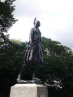 Statue of Princess Pocahontas, Gravesend - geograph.org.uk - 1409888.jpg