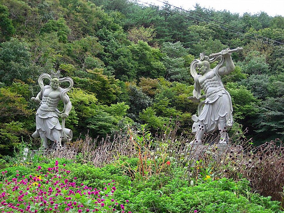 Statues of a Deva king-Golgulsa-Gyeongju-Korea-01