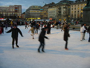 Kungsträdgården - Ice skaters in winter