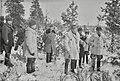 Syvärinniska, Kenraalimajuri Svenssonin 50-vuotis-juhlallisuuksista- Kenraalit Hägglund, Mäkinen, Svensson ym. tarkastamassa ja vihkimässä Syvärin suulle rakennettuja linnakkeita, SAKuva-116323.jpg